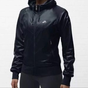Black Nike Windrunner Jacket M